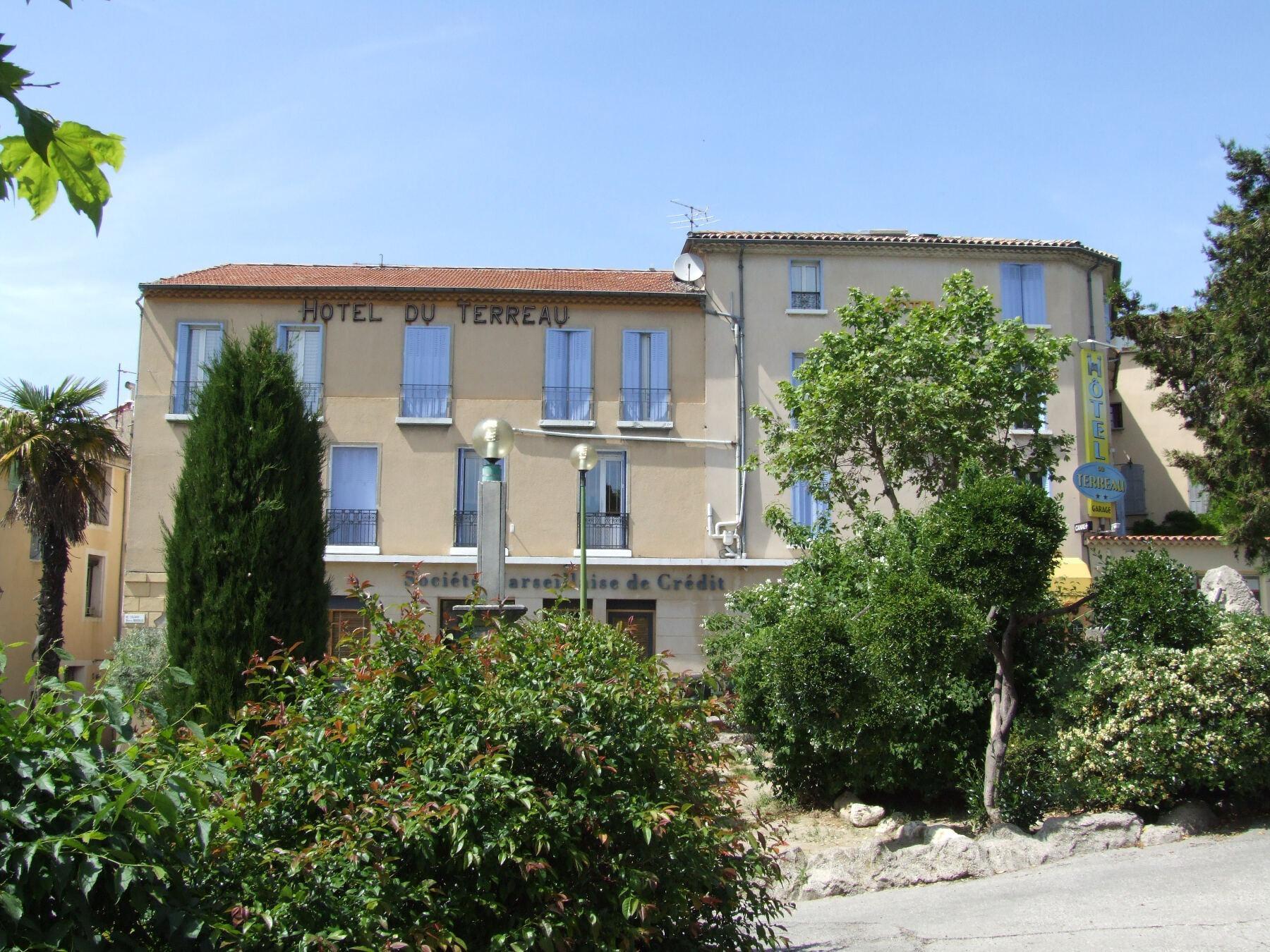 Hotels G tes et Chambres d h´tes  proximité du Golf du Luberon