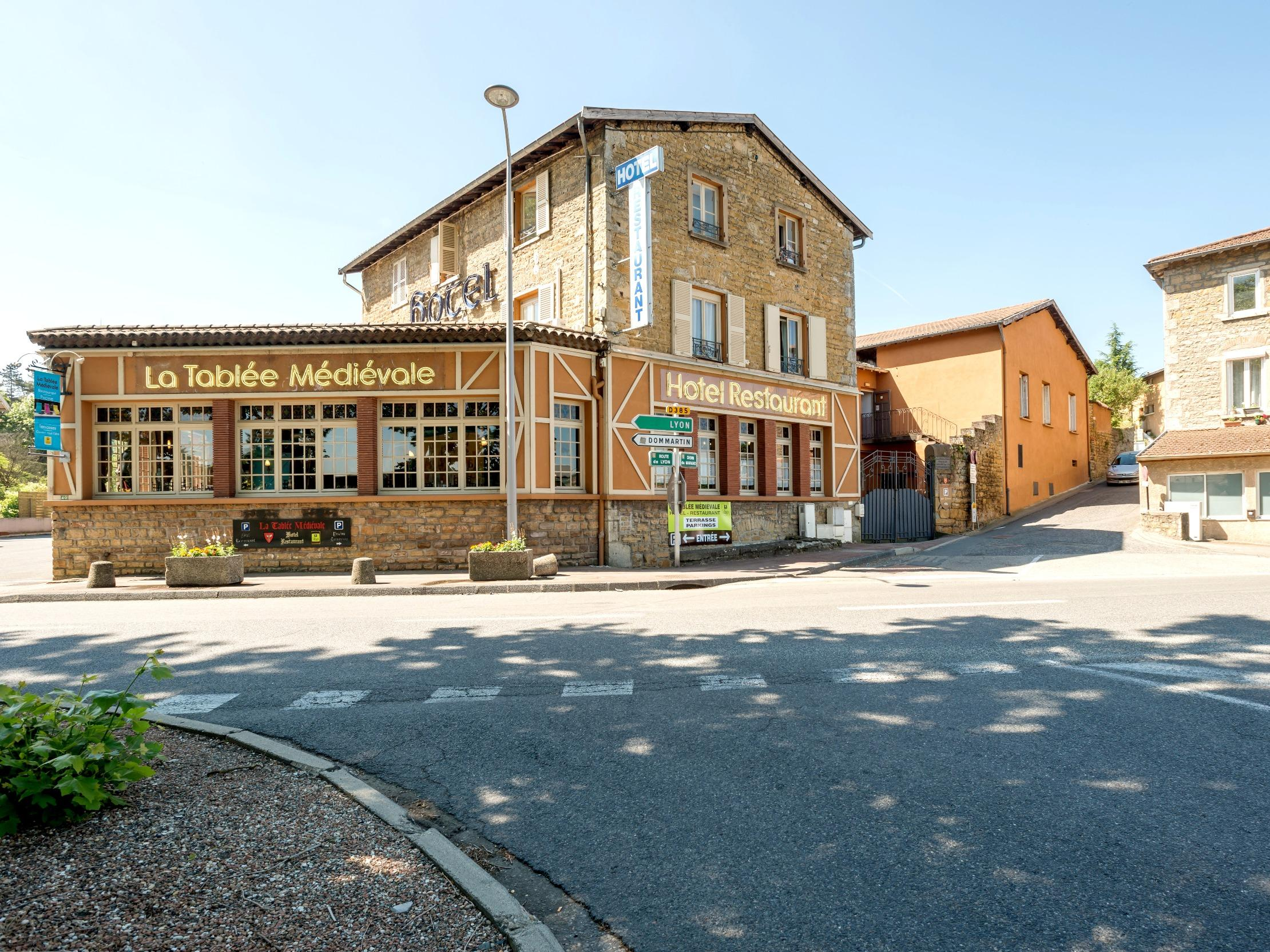 Comparateur hotel la tabl e m di vale civrieux d 39 azergues for Hotel comparateur