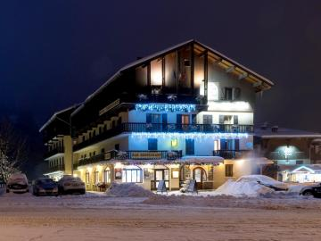 Logis Relais du Galibier - hotel-black-diamond-lodge-restaurant-ste-foy-tarentaise-561557
