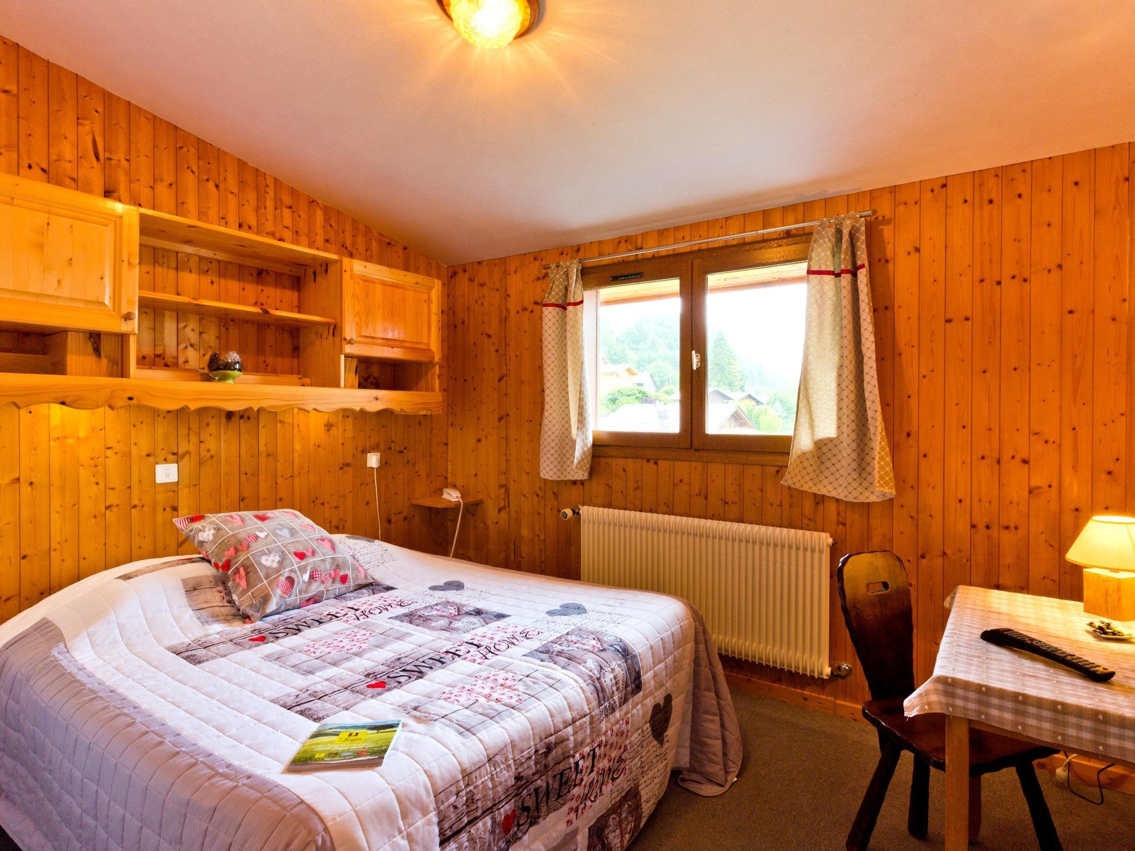 Hotel La Boule De Neige Hotel Logis Samoens Stay Rhone Alps