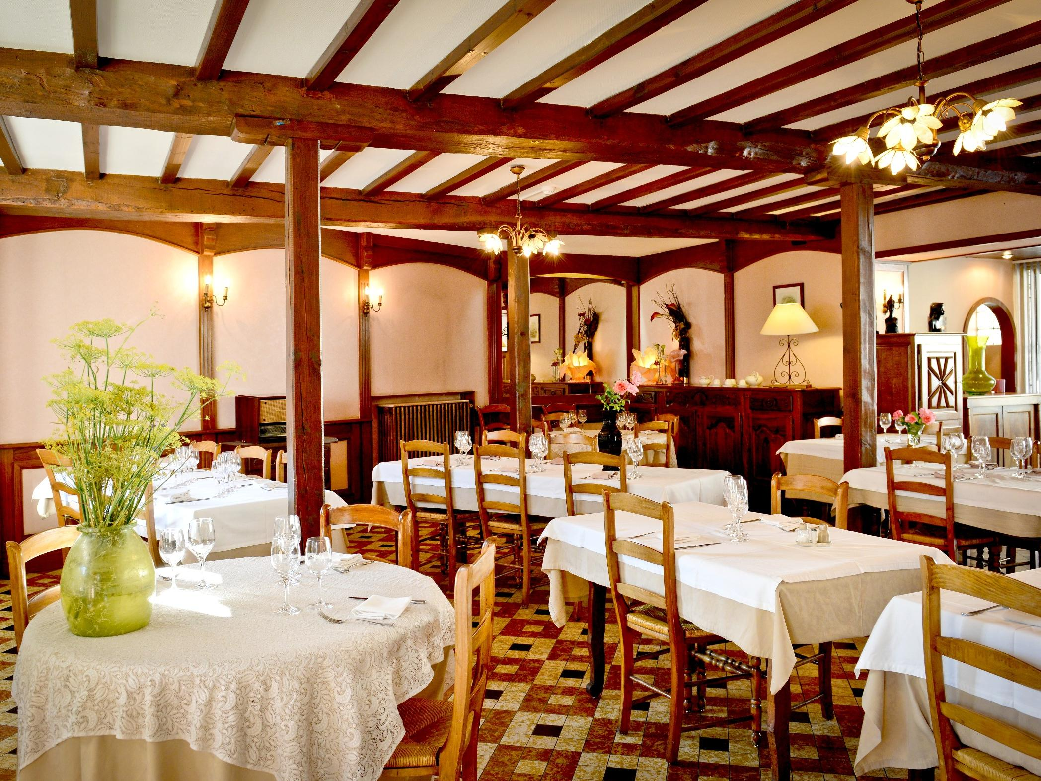 9 Hotels  Oloron Sainte Marie Pyrénées Atlantiques et ses