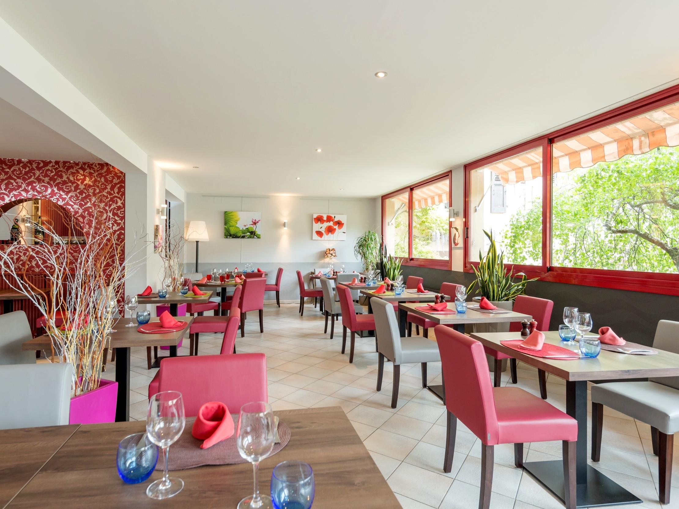 Restaurant divonne les bains la terrasse fleurie for S bains restaurant