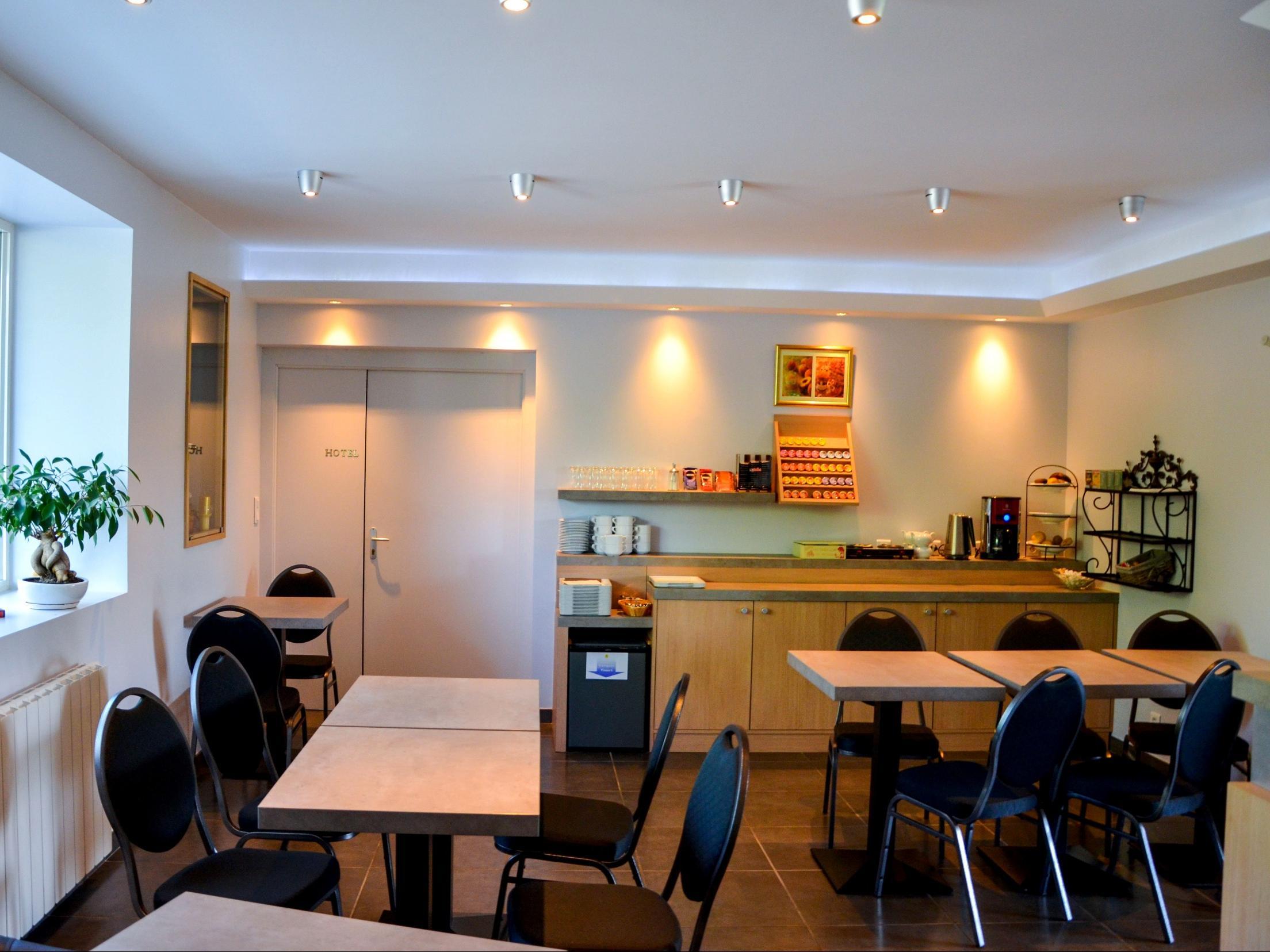 hotel aux berges de l 39 aveyron onet le ch teau. Black Bedroom Furniture Sets. Home Design Ideas