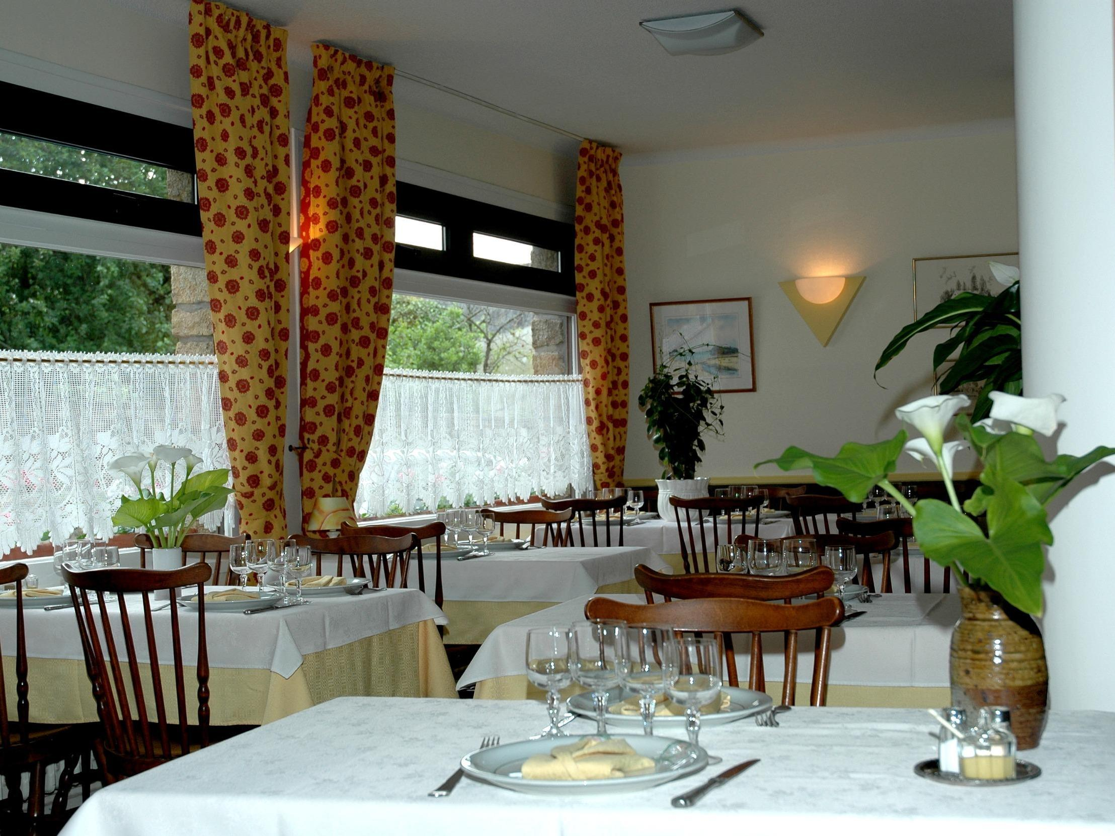 Hotels G tes et Chambres d h´tes  proximité  Cale de Sainte