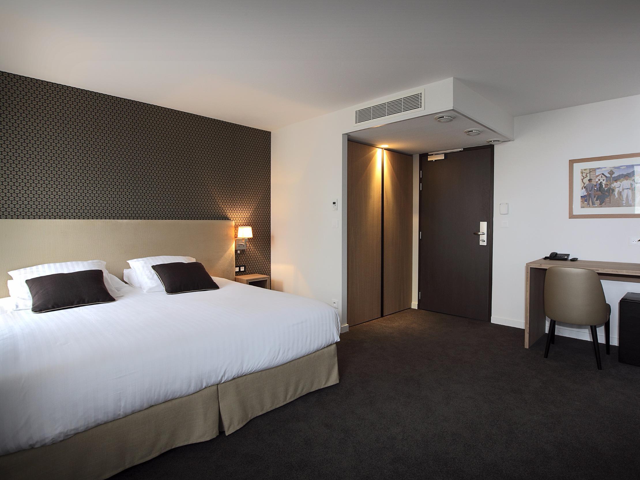 Hotel De La Nivelle Logis ST PEE SUR NIVELLE Stay Aquitaine