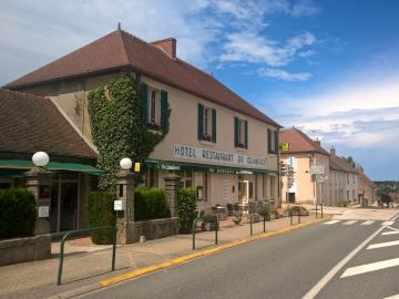 Hôtel du Commerce - hotel-de-bourgogne-bar-reception-la-clayette-016079