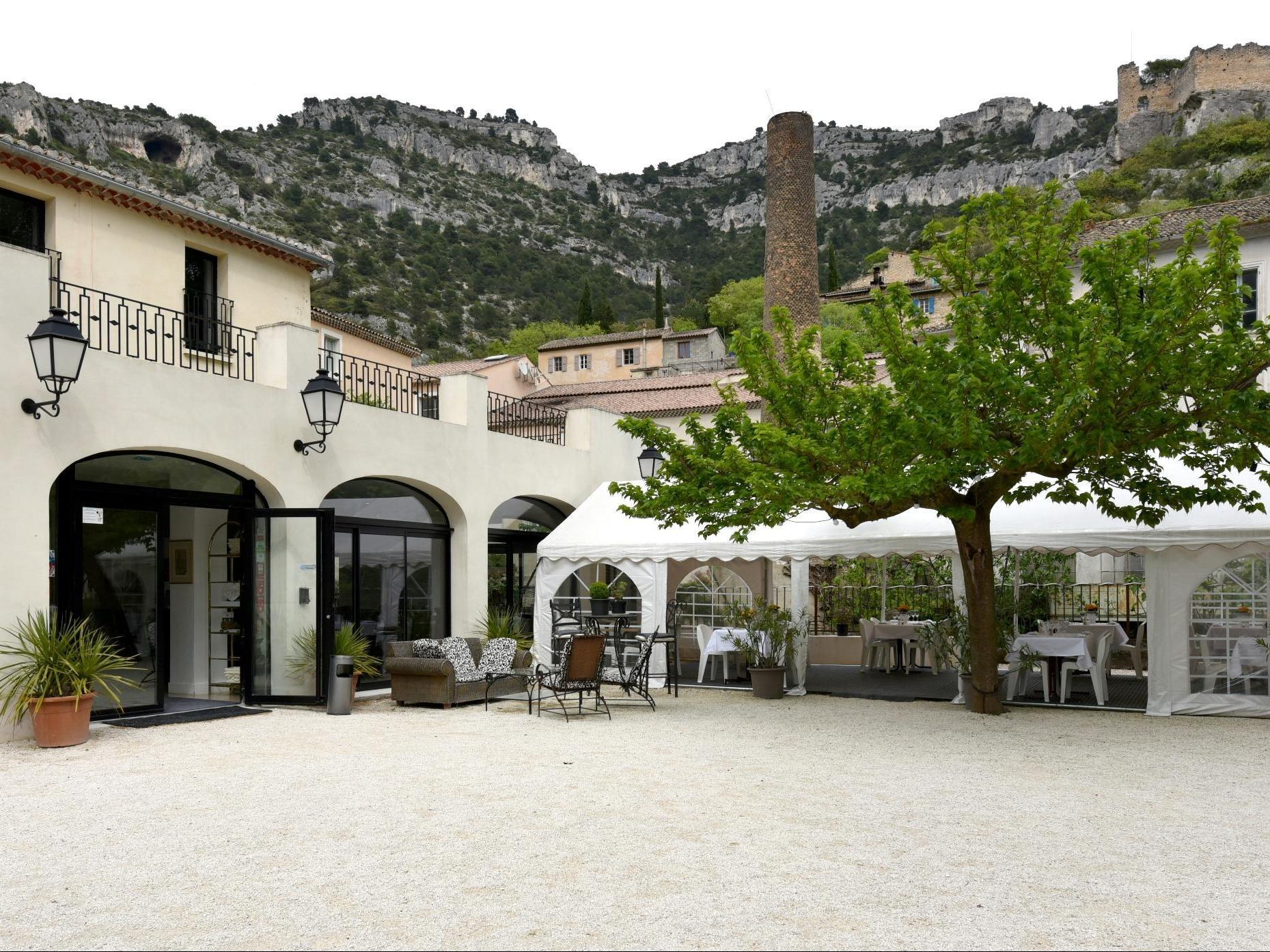 Logis H U00f4tel Restaurant Du Parc  H U00f4tel Logis Fontaine De
