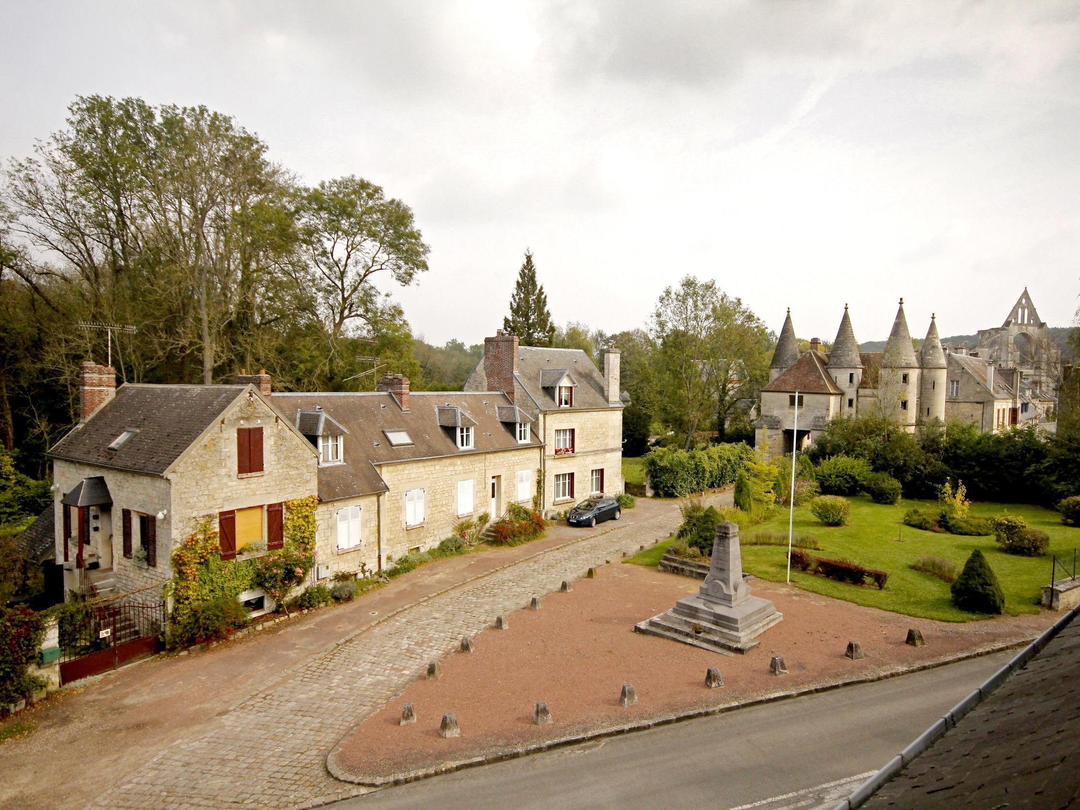 Htel Les Terrasses Logis LONGPONT Sjour Picardie