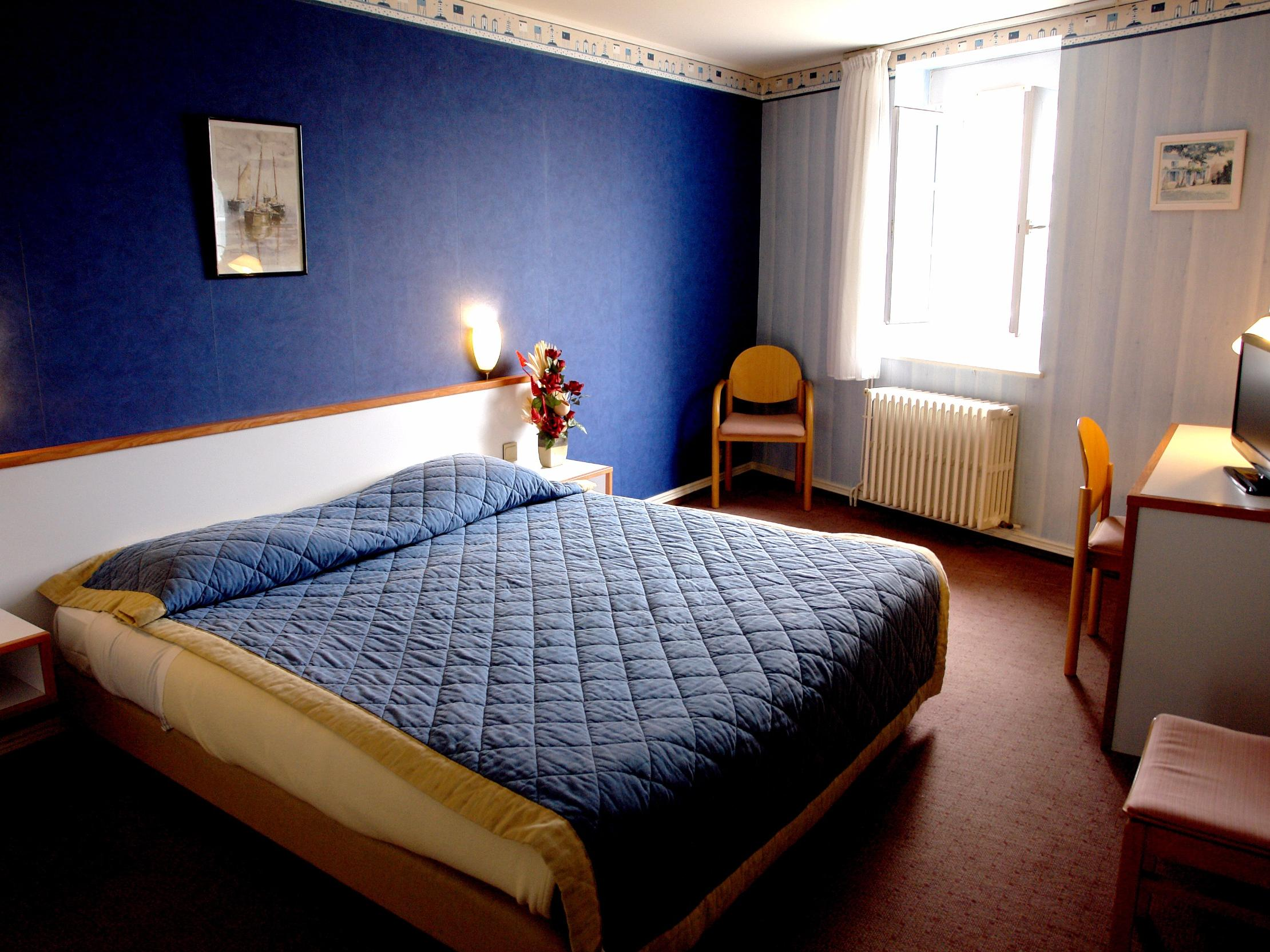hotel les chardons bleus rest. le bistrot de la mer roscoff