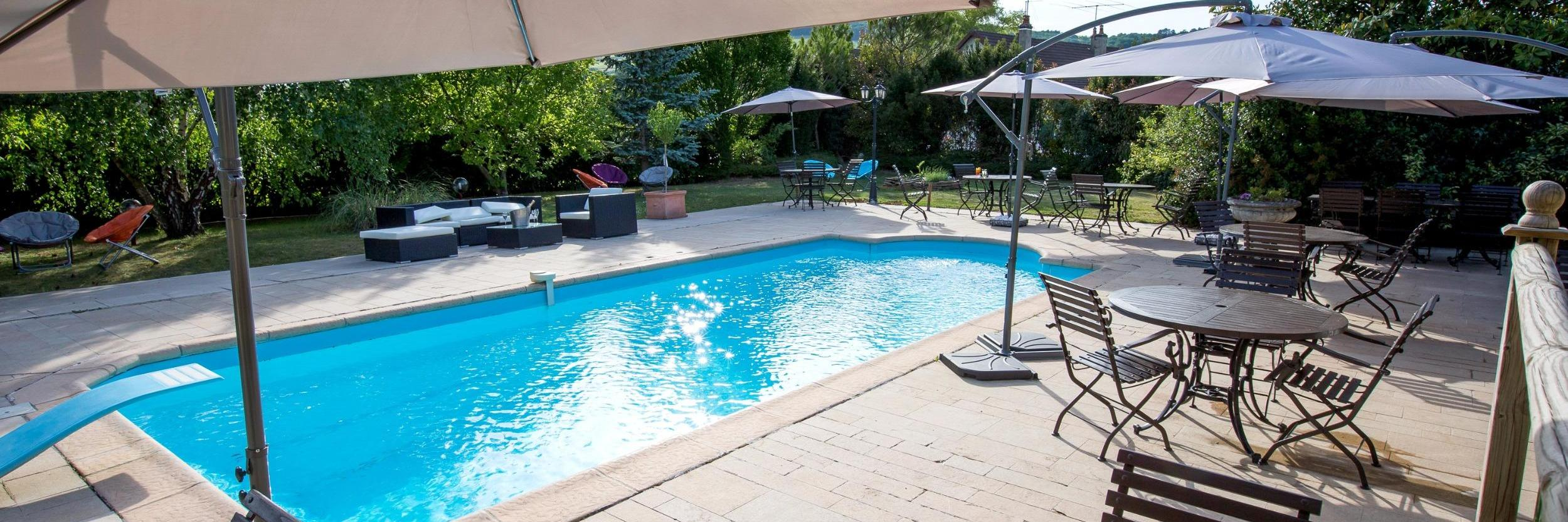 H tel dole dans jura restaurants logis hotels dole for Chavannes piscine