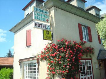 Logis l'Auberge Basque - hotel-l-adourable-auberge-facade-soublecause-630471