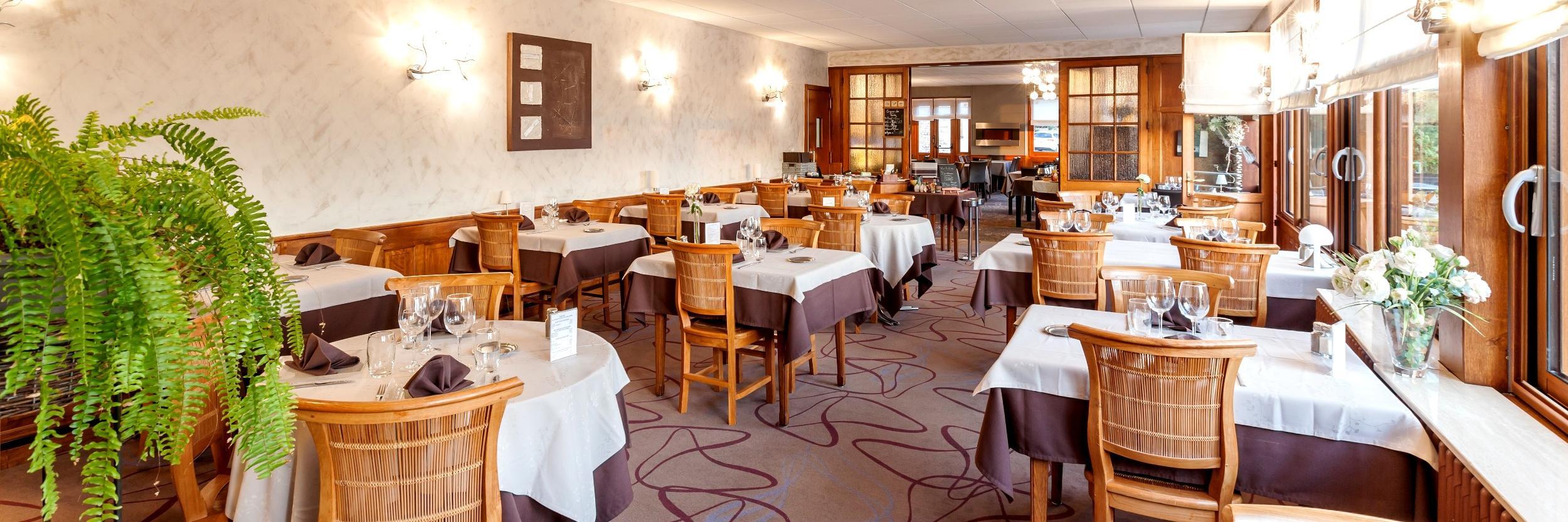Logis restaurant h tel beau rivage restaurant mansle for Au beau rivage la cuisine