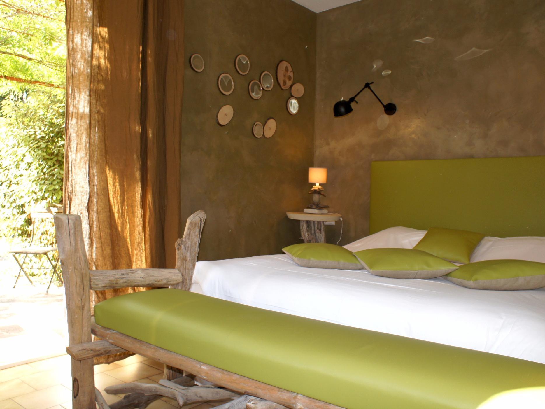 hotel-des-pins-rest-l-esprit-jardin-chambres-bedoin-908624 Frais De Magasin De Jardinage Schème