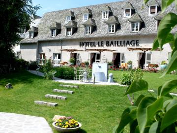 Hôtel le Bailliage - hotel-de-bourgogne-bar-reception-la-clayette-016079