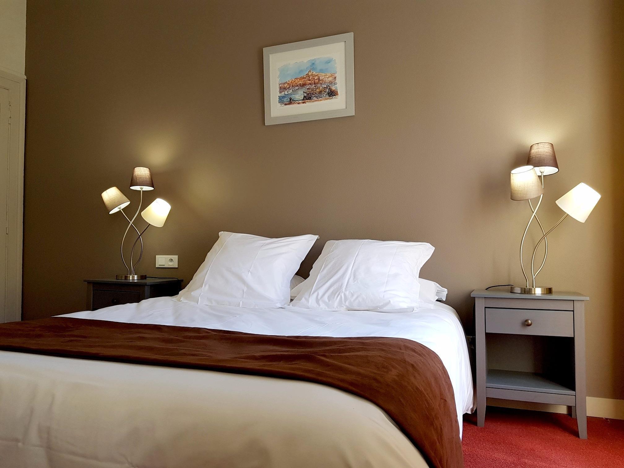 Hotels G tes et Chambres d h´tes  proximité de la Gare de
