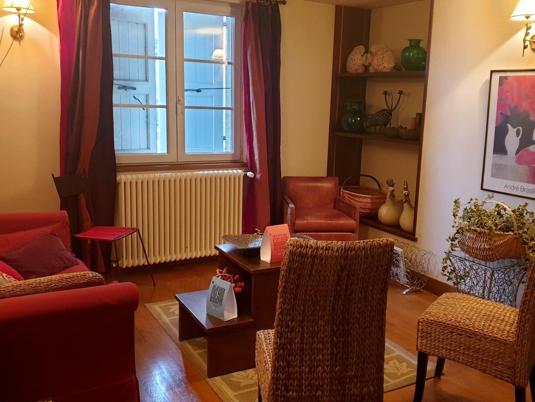 Logis Auberge Fleurie, Hôtel Logis MONTSALVY, séjour Auvergne