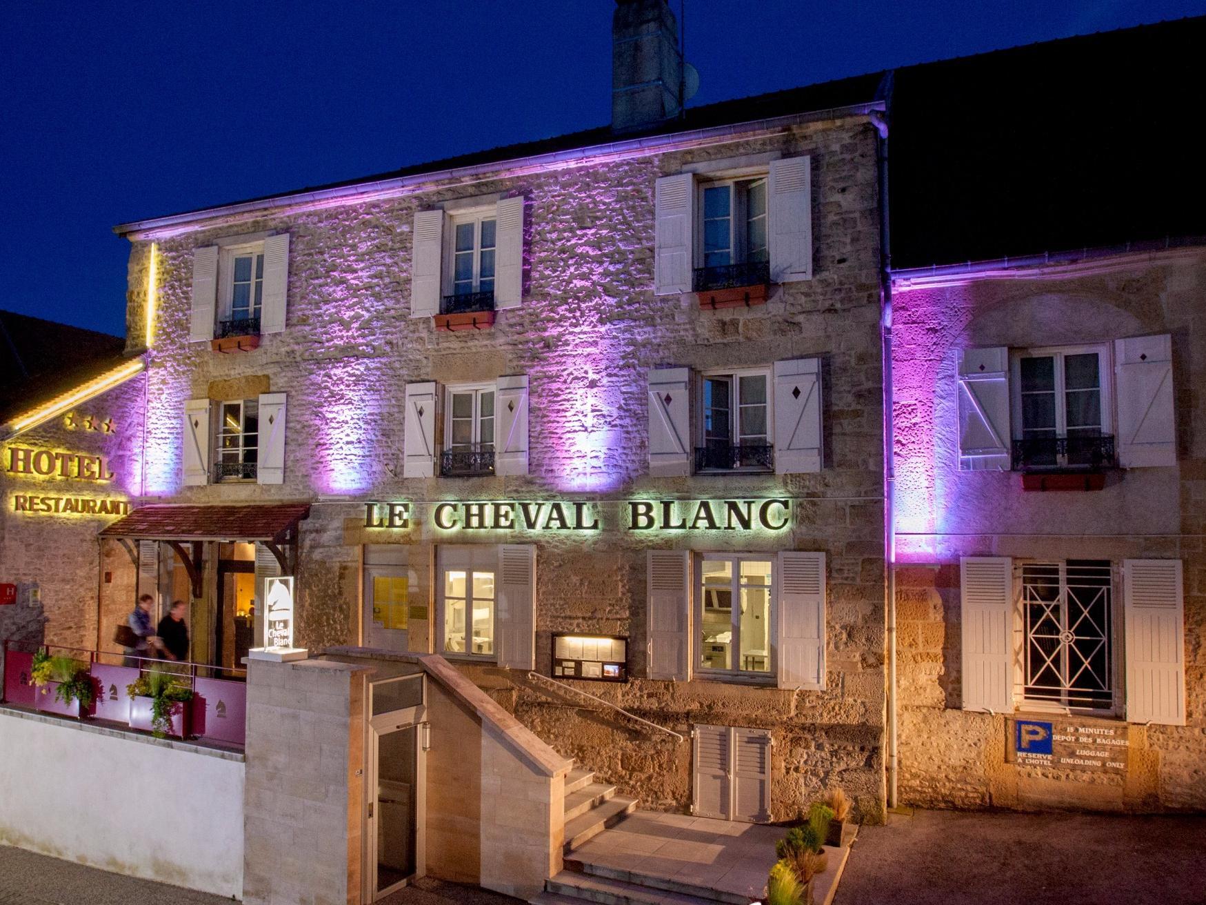 Logis Hôtel du Cheval Blanc, Hôtel Logis LANGRES, aufenthalt ...